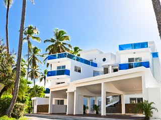 The SANCTUARY at Los Corales -  Luxury Beach Condo with Balcony