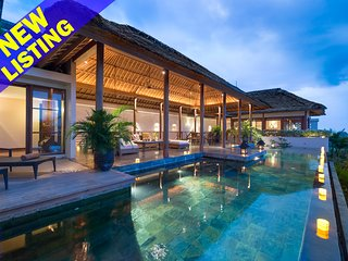 Stunning 8 Bedroom Villa Ocean View in Jimbaran;