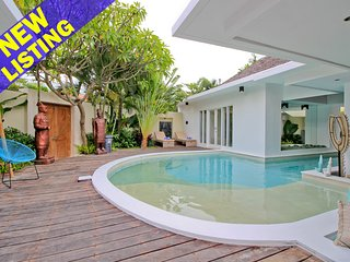 Buddha 2, newly renovated 4 Bedroom Villa, Central Seminyak