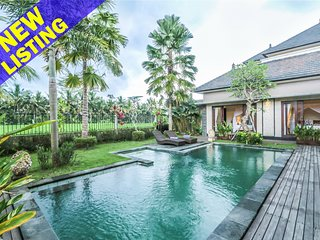 Widi Agung, Luxury 4 Bed Villa, near central Ubud