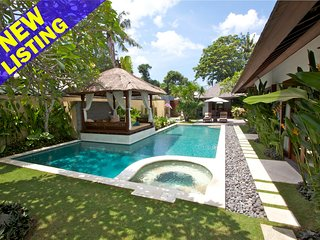 Perfectly Located 4 Bedroom Villa near beach, Sanur'