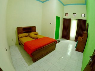 Ijen Crater Tour and Homestay - Bedroom #1