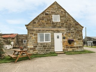 FOXHUNTER COTTAGE, working farm, near Robin Hood's Bay