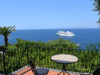 Villa Sei Ulivi - Exclusive Villa with private garden and parking