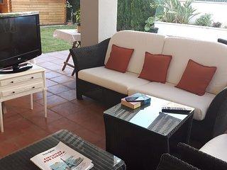 Apartamento de tres dormitorios con 100 metros de jardín