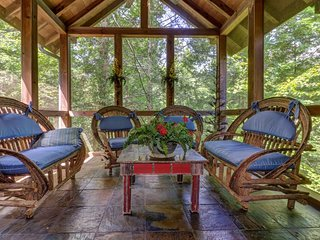 NEW LISTING! Gorgeous secluded cabin w/private hot tub, shared pools, game room