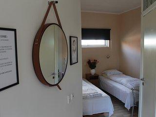 Quaint studio for 2 w/ ensuite bathroom and kitchenette - Room 16