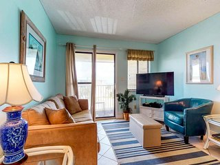 NEW LISTING! Hotel condo features beach access, shared pool/hot tub, near town