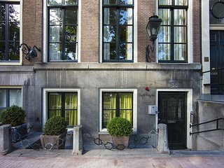 LUXURY GARDEN VIEW IN KEIZERSGRACHT