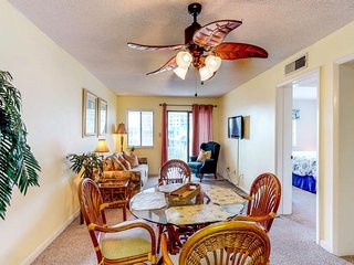NEW LISTING! Hotel-style condo suite near beach & town w/shared pool & hot tub