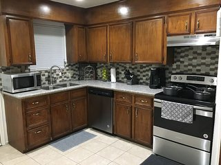Private Duplex! Near Houston Hobby/Clear Lake/Galveston/Pasadena/Friendswood