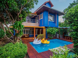 Hat Yai Villa Sleeps 16 with Pool Air Con and WiFi - 5677080