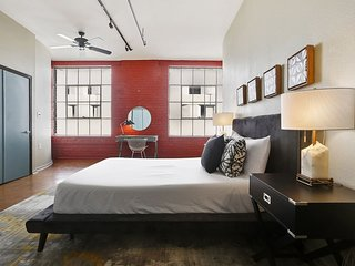 Stylish 3BR/3BA Industrial Apt in NOLA by Domio