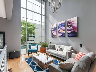 Beautiful 2BR/2.5BA Apt in Little Italy by Domio