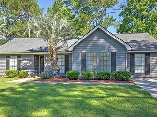 Serene & Spacious Savannah House Minutes from DT!