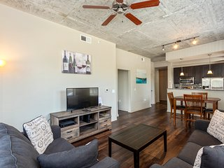 Fabulous 2 Bedroom Fully Furnished Apartment in Nashville