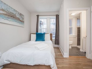 Superb 3BR/2BA Apt in North End by Domio