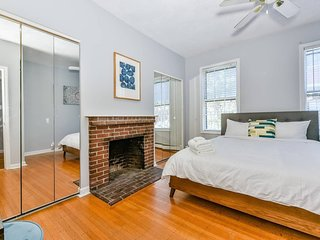 Spacious 2BR/1BA Beacon Hill Apt near MGH