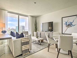NEW Luxury Ft. Lauderdale Condo w/Resort Amenities