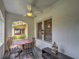 Cozy Couple's Apt w/Patio: Tampa Bay Beach 1 Block