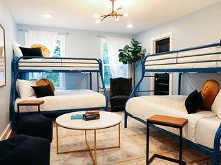 Stunning 3BR/3.5BA Nashville Home w/ Deck by Domio
