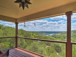 Austin Home w/ 2 Decks & Views, Mins to 2 Lakes!