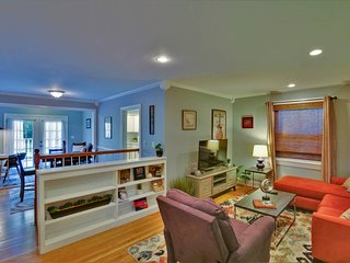 Charming 2BR/1.5BA East Nashville Home by Domio