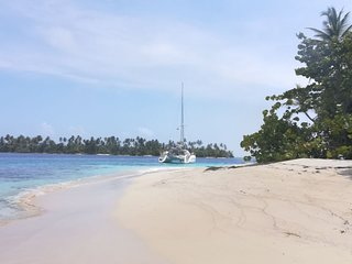 Sailingtripadventures / charter on a catamaran to visit San blas islands, panama