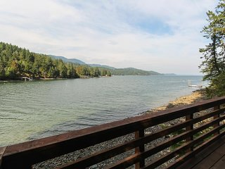 Spacious bayfront home with amazing view & peaceful location. Watch eagles soar!