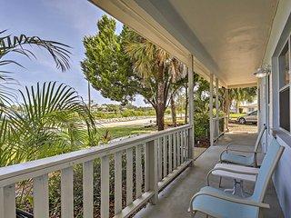NEW-'Seahorse' Villa Overlooking Whitcomb Bayou