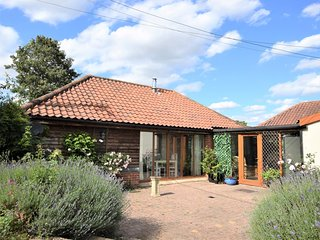 64075 House situated in Thetford (8mls E)