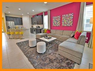 Solara Resort 6 - Stylish villa with private pool and home theater near Disney