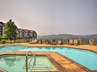Lavish Cle Elum Condo w/ Pool Access and Views!