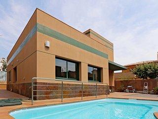 SVM041 Casa moderna con piscina privada. WiFi