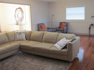 South Tampa Modern 4BR Oasis with pool and gameroom