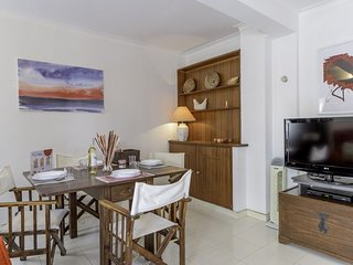 Monte Gordo Spacious apartment in Monte Gordo with WiFi, balcony & lift.