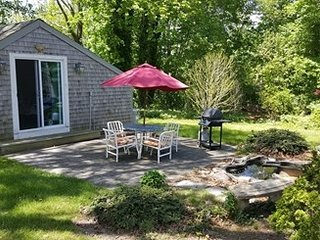SWEET Northside Cottage~ DOG FRIENDLY 121982