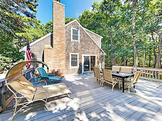 Hike, Bike to the Beach, Relax by the Fire — 4 BR House in Eastham