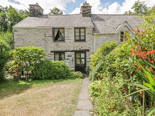 GLANRHYD COTTAGE, enclosed garden, near Machynlleth