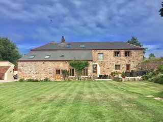 Country Retreat - Tranquility within 10 minutes drive of Beaches and St Helier