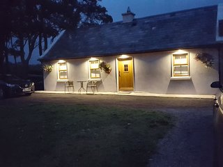 Cosy 1bed Cottage 2km from Sea on Wild Atlantic Way at Aughris Sligo.