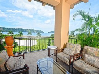 Stay 7 Pay 5 nights! Luxury Ocean View Condo, Steps from Beach Club!