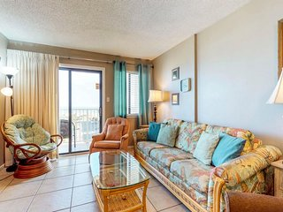 NEW! Ocean-themed family friendly condo w/view, pools, hot tub & fitness center