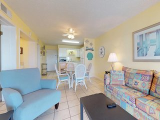NEW LISTING! Hotel suite w/beach access, shared pool/hot tub, great location