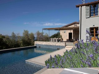 Villa La Braja - Stunning Villa with Amazing Views - Private Swimming Pool