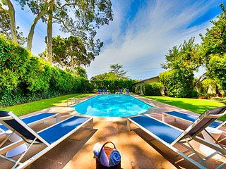 Private Pool, Hot Tub, Huge Yard & Steps to Beach & Town!