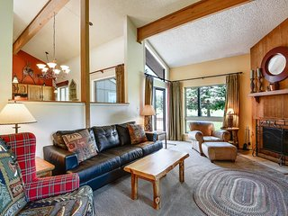 NEW LISTING! Cozy condo w/convenient location near golf, lakes, skiing, and town