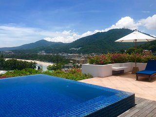 2 Bed Ocean View Private Pool Penthouse Walk To Beach !