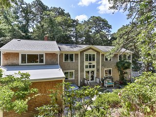 Spacious Waterfront Home on Upper Mill Pond, Sleeps 14; 027-B
