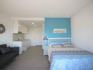 Apartamento en planta 200 con vistas increibles del mar y de Alicante.